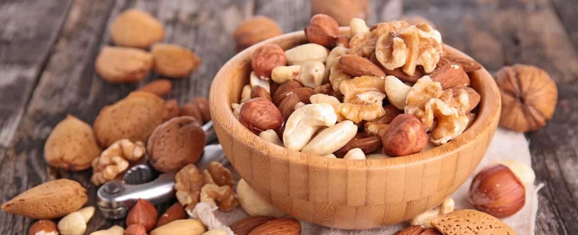 Nüsse in Schale